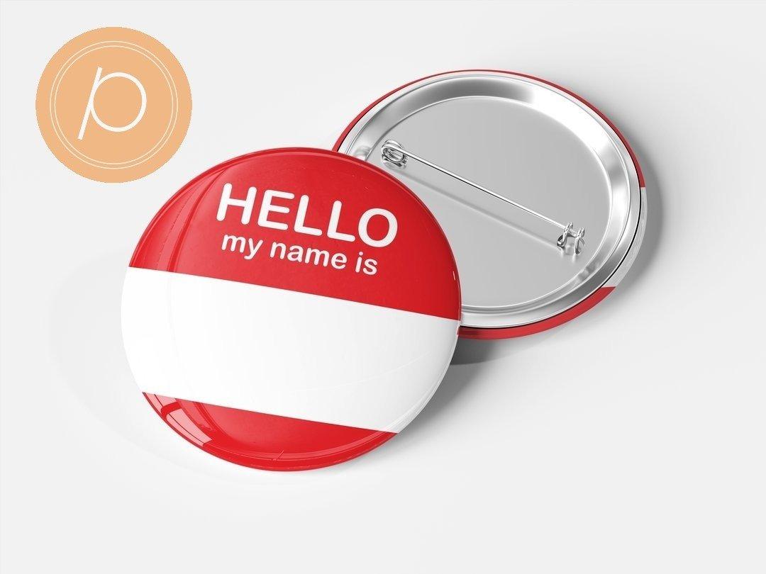 """Przypinka """"Hello my name is...."""" - czerwona"""