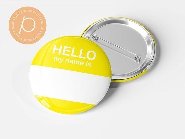 """Przypinka """"Hello my name is...."""" - żółta"""
